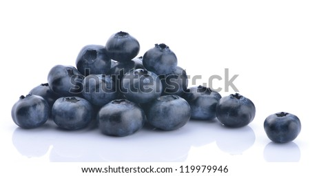 A group of blueberries on white background with reflection