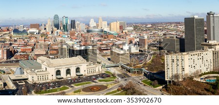 A large panoramic view of Kansas City, Missouri during the daytime #353902670