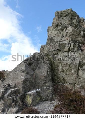 A limestone outcrop on the Long Mynd near Church Stretton, Shropshire. #1164597919