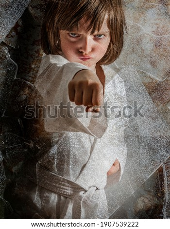 a little girl practicing karate Foto stock ©