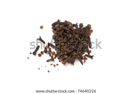 a little mount of cloves isolated in white