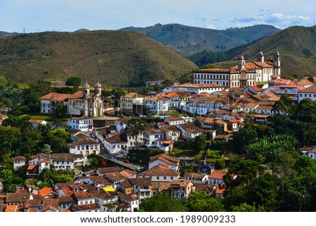 A panoramic view of the historic colonial town of Ouro Preto, Minas Gerais, Brazil. Foto stock ©