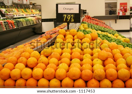 A photo of oranges at the supermarket