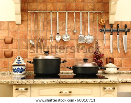 A picture of a beautiful new yet not modern kitchen, nice bright colors