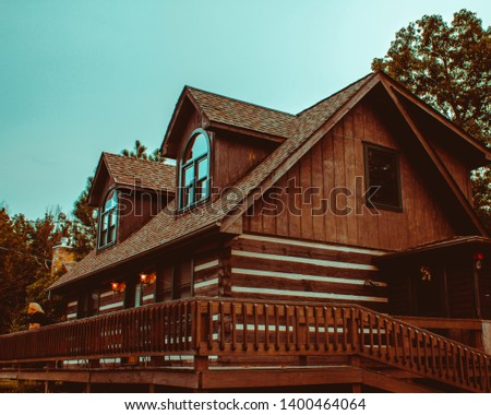 A picture perfect isolated and peaceful cabin in the woods of beautiful Smokey Mountains, Tennessee!