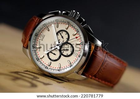 A piece of high-grade men\'s Watch