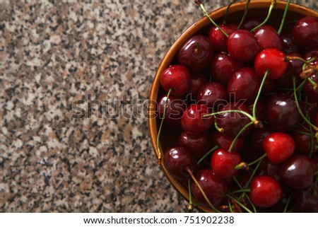 A plate of sweet cherry