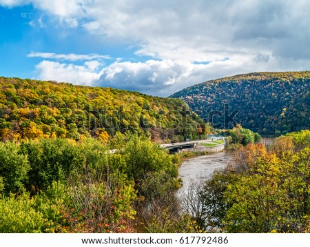 A scenic view of the Delaware Water Gap between Pennsylvania and New Jersey.