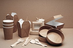 A set of paper and wood, environmentally friendly and biodegradable disposable tableware. Fast food, cafe