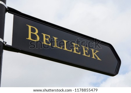 A sign for the town of Belleek in County Fermanagh, Northern Ireland. Stok fotoğraf ©