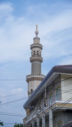 a skyscraper tower of the mosque. traditionally, it was for someone to call to prayer so can be heard from all directions.