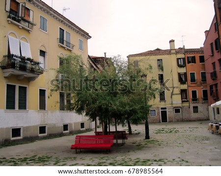 A small courtyard in Venice/Venice/Italy  #678985564