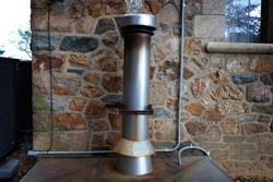A stainless steel ventilation pipe for supplying and exhausting air and gas from a gas boiler chimney