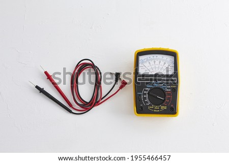 a tester that measures the resistance of electricity ストックフォト ©