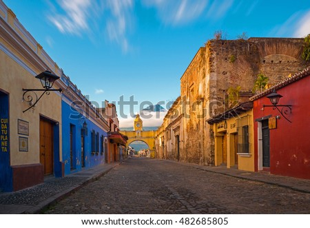 Shutterstock A thirty seconds exposure of the historic center of Antigua at sunrise, Guatemala. Translation text left: