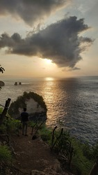 A Thousand Island-a mini paradise on Nusa Penida. The beauty of a row of small islands, tree house at the edge of a cliff, and the most beautiful sunrise succeeded perfecting the beauty of this place