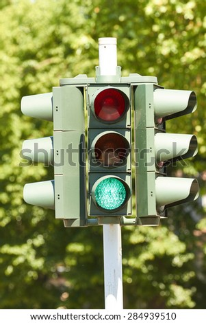 A traffic light directing traffic at an intersection.