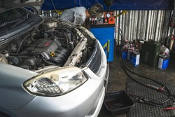 A Transmission flush service is a process in which the fluid in an automatic transmission is flushed out of the transmission by flushing machine and replaced with new automatic transmission fluid .