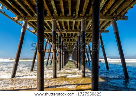 A view from below of Pismo Beach's Pier, California Zdjęcia stock ©