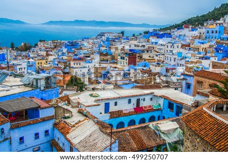 A view of the blue city of Chefchaouen in the Rif mountains, Morocco Stockfoto ©
