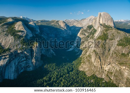 A view of Yosemite Valley from Glacier Point in Yosemite National Park