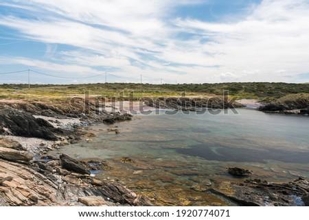 A view on Cala Coscia Di Donna beach on a sunny day Foto d'archivio ©