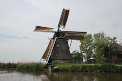 A water mill along a ditch in the Frisian countryside.