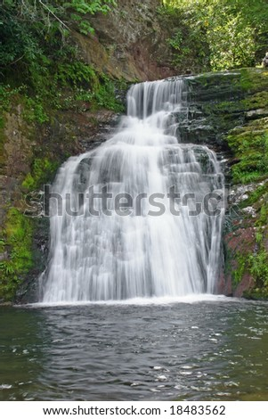 A waterfall located in the Pocono Mountains of Pennsylvania