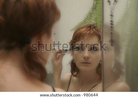 A woman making-up