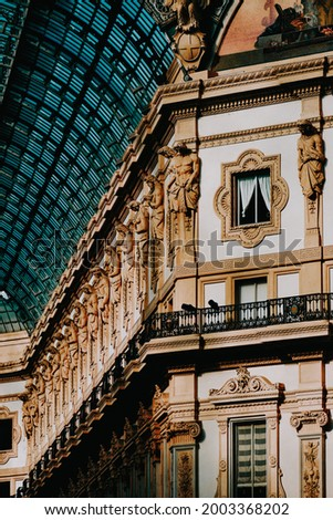 A wonderful inside look at the Galleria Vittorio Emanuele II - Italy's oldest active shopping gallery Foto d'archivio ©
