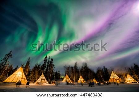 A wonderful night with Kp 5 index northern lights at Aurora Village in Yellowknife.