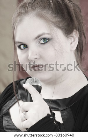 A young woman singer