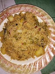 Aalu Matar (Potato and Grean Peas) Biryani