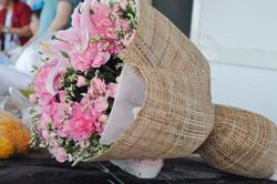 Abaca hemp is used to wrap the bouquet. Can be applied to decorations and crafts Designed for vintage floral decoration. In the flower shop business according to the idea of a florist.