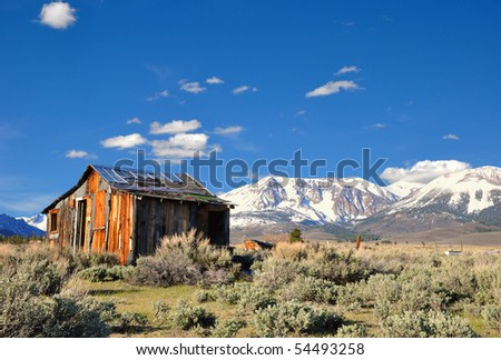 Abandoned Cabin near Mono Lake, CA