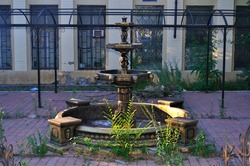 Abandoned fountain without water, apocalypse fountain view, apocalyptic fountain, ancient fountain in the park