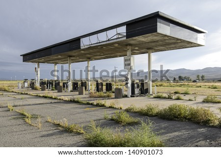 abandoned gas station in utah