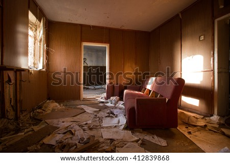 abandoned house ruined house, abandoned building, mess, ruined interior