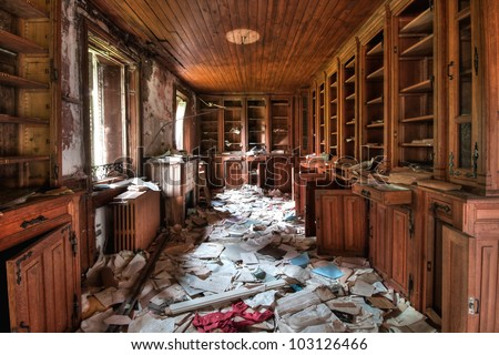 Abandoned library (HDR) - urban exploration