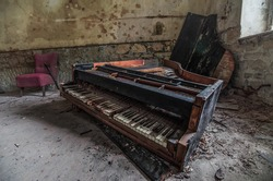 abandoned old demolished piano