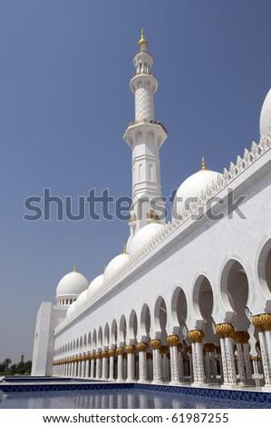 Abu Dhabi Sheikh Zayed grand white Mosque