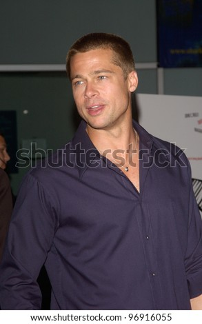 Actor BRAD PITT at the Los Angeles premiere of Criminal. August 30, 2004