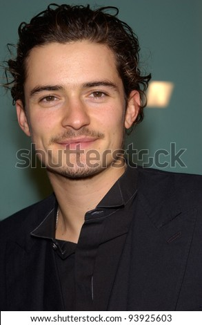 Actor ORLANDO BLOOM at the Los Angeles premiere of his new movie The Lord of the Rings: The Two Towers. 15DEC2002.    Paul Smith/Featureflash