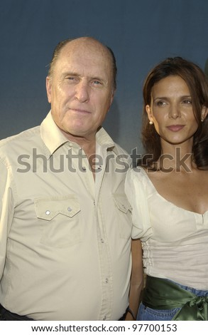 Actor ROBERT DUVALL & wife at world premiere, in Hollywood, of his new movie Open Range. Aug 11, 2003  Paul Smith / Featureflash