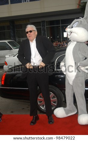 Actor STEVE MARTIN at the world premiere, in Hollywood, of his new movie Looney Tunes Back in Action. November 9, 2003  Paul Smith / Featureflash
