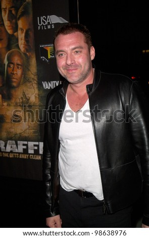 Actor TOM SIZEMORE at the Los Angeles premiere of Traffic. 14DEC2000.   Paul Smith / Featureflash