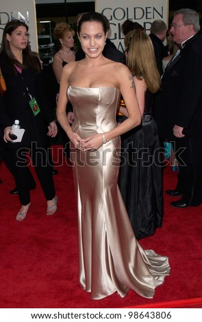 Actress ANGELINA JOLIE at the 2001 Golden Globe Awards at the Beverly Hilton Hotel. 21JAN2001.   Paul Smith/Featureflash