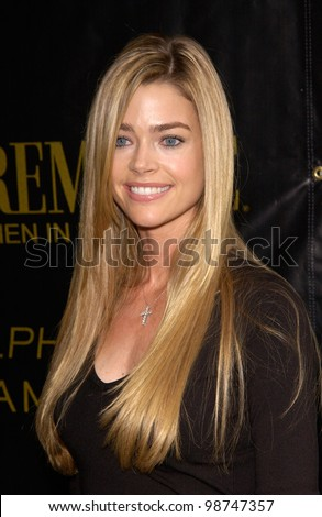 Actress DENISE RICHARDS at Premiere Magazine's Women in Hollywood luncheon at the Four Seasons Hotel, Beverly Hills. 22OCT2001.   Paul Smith/Featureflash