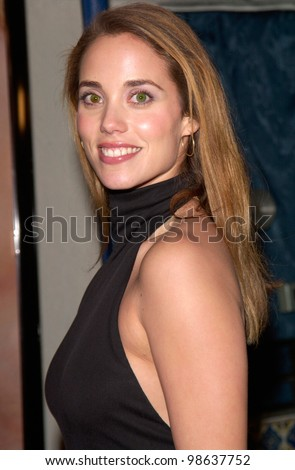 Actress ELIZABETH BERKELEY at the world premiere, in Los Angeles, of What Women Want. 13DEC2000.   Paul Smith / Featureflash
