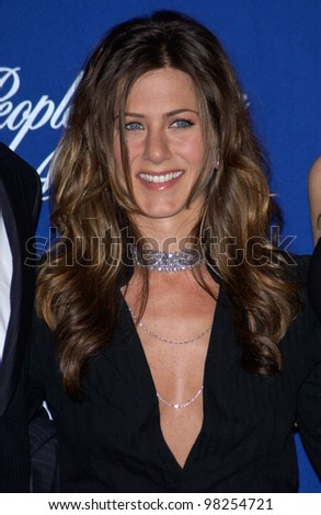 Actress JENNIFER ANISTON at the 29th Annual People's Choice Awards in Pasadena. 12JAN2003.   Paul Smith / Featureflash